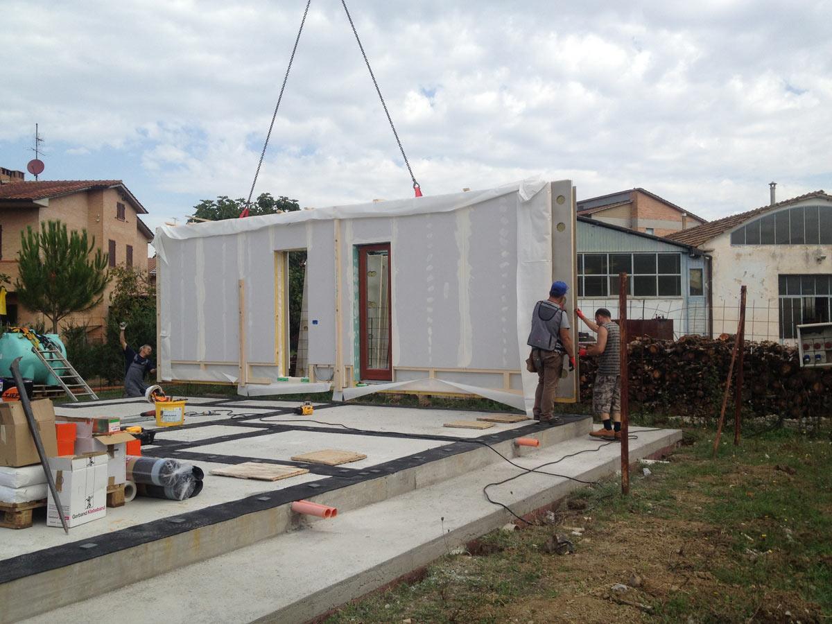 Abitazione in legno con struttura a telaio provincia for Personalizzate case con telaio